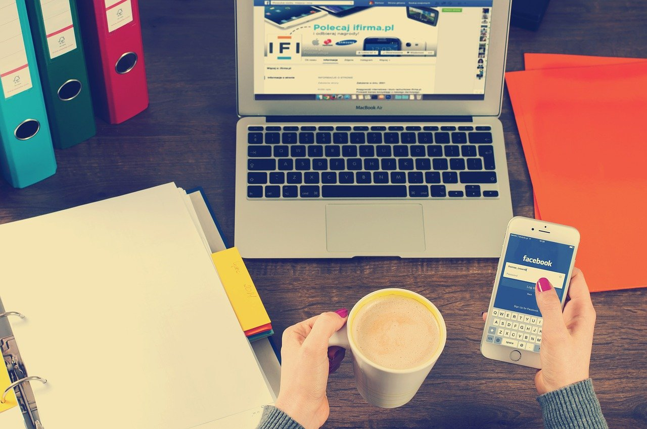 How to manage multiple social media accounts with Hootsuite